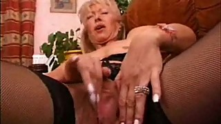 Mature wife masturbating loves to be watched. Real amateur