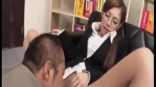 Faithless girl fucking secretary in the office I fuck me really hard in the chair for me run screami