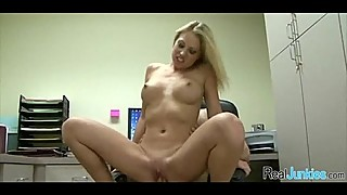 Sex at the office 276