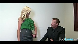 Sex at the office 322
