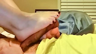 Wife Footjob with powerful double cumshot