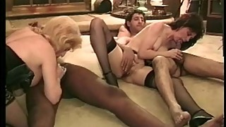 Horny Housewifes