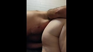 Wife gets fingered wile sucking my cock